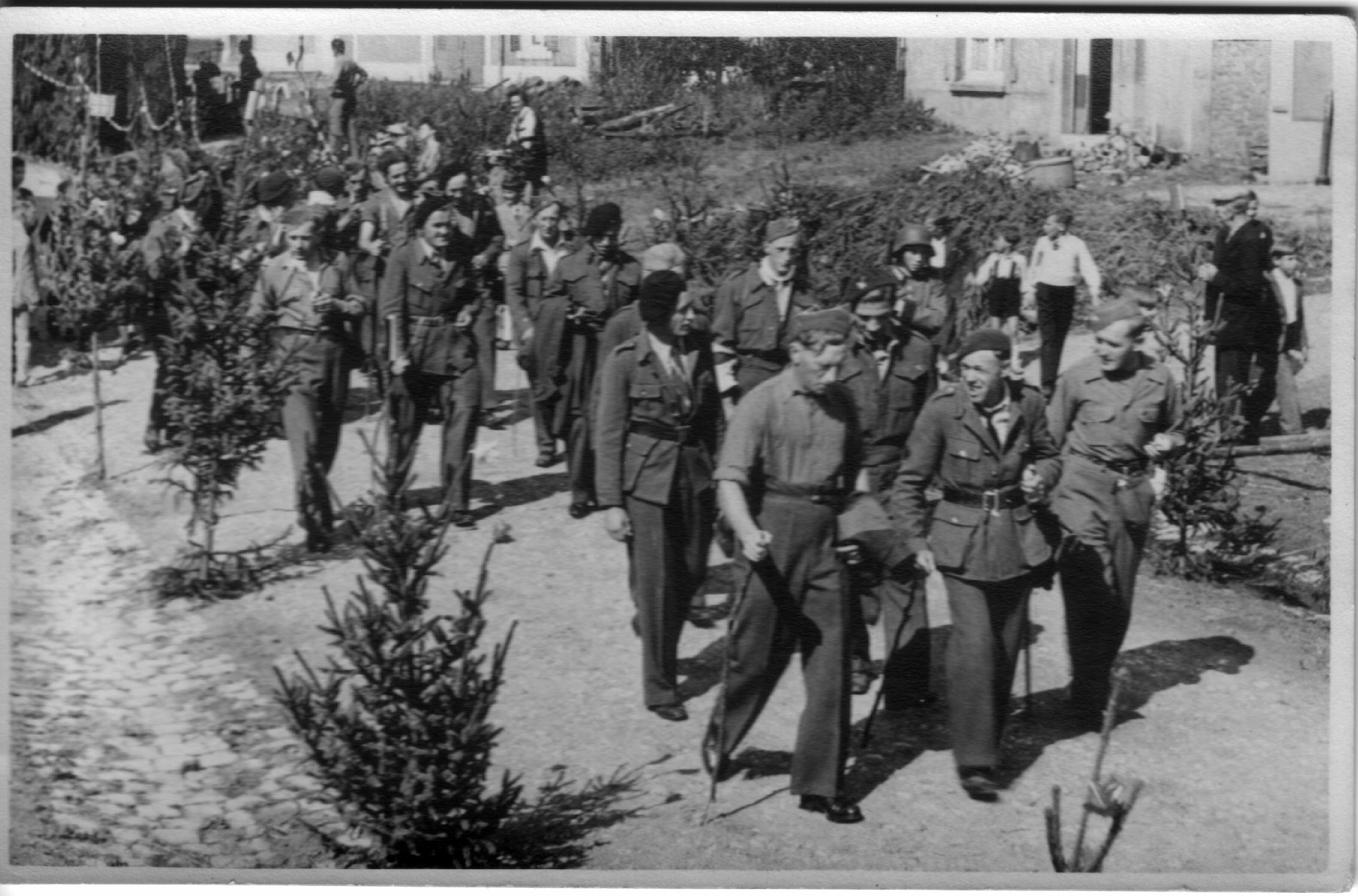 Belgique-LesBulles-1945-RetourPriso