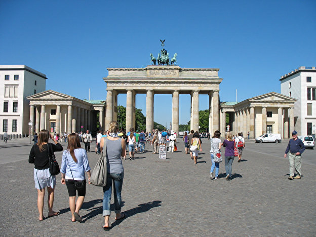 Brandenburger_Tor_Berlin_Kraschinski