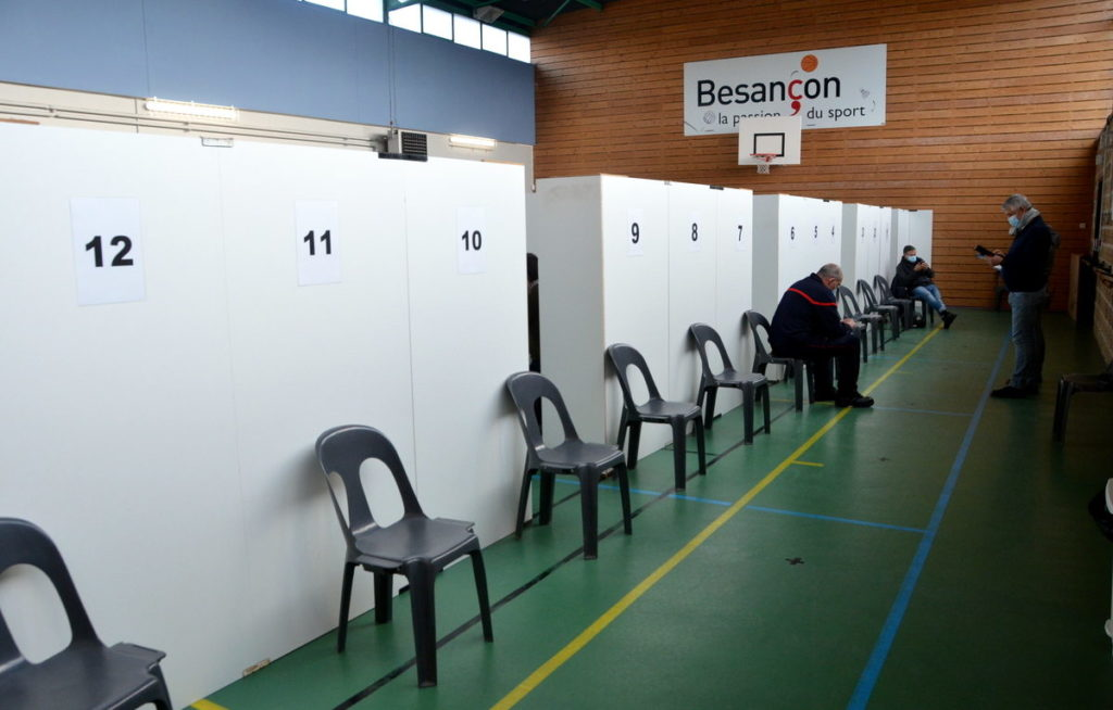 centre-de-vaccin-vaccination-de-besancon-alexane-alfaro-012-1200x766